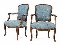 Paire de fauteuils cabriolets d'époque ...