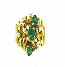 1970s 18k Gold DIamond Emerald RIng