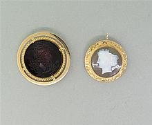 Lot of 2 14k Gold Intaglio Hardstone Cameo Brooch Pendant