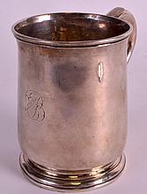 A GOOD 18TH CENTURY ENGLISH SILVER TANKARD of baluster form. London 1719. 6oz. 4Ins high.
