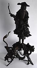 A LARGE 19TH CENTURY CHINESE CARVED ROOTWOOD FIGUR