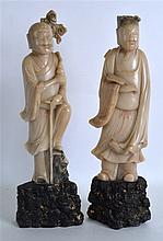 A PAIR OF 19TH CENTURY CHINESE CARVED SOAPSTONE FI