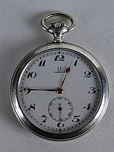 AN EARLY 20TH CENTURY OMEGA SILVER POCKET WATCH. 2