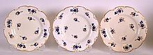 A SET OF THREE EARLY 19TH CENTURY DERBY PLATES painted with blue and gilt f