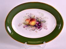 A FINE EARLY 20TH CENTURY ROYAL WORCESTER OVAL DISH painted with fruit by G