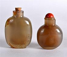 A 19TH CENTURY CHINESE CARVED AGATE SNUFF BOTTLE AND STOPPER together with