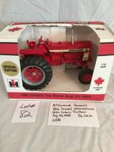 McCormick Farmall 806 Diesel International 18th Ontario Toy Show  1/16