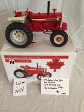 IH Farmall 1206  19th Ontario Toy Show 2004  FWD  1/16