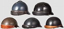 Fünf Helme für die Besatzungen von gepanzerten Fahrzeugen, Frankreich, 20. Jhdt.