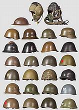 27 Helme/Kopfbedeckungen Warschauer Pakt-Staaten, 1945 bis Neuzeit