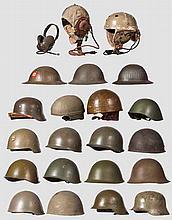 20 Helme/Kopfbedeckungen aus aller Welt, 1945 bis Neuzeit