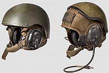 Zwei Helme für Panzerbesatzungen der US-Army