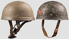 Zwei britische Helme für Fallschirmtruppen um 1940/45