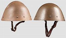 Zwei Stahlhelme der Tschechischen Armee um 1940