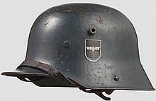Stahlhelm M 16 für Angehörige der Bahnschutzpolizei