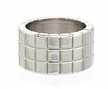 * An 18 Karat White Gold Ice Cube Ring Chopard, 9.90 dwts.