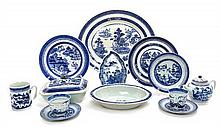 Sixteen Chinese Export Porcelain Articles