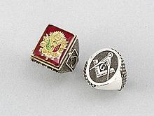 Wappenring und Freimaurer-Ring, 20. Jh., Silber 835/000, 1x mit Emailledekor, ca. 36 g