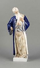 Nathan der Weise, Royal Copenhagen, Dänemark, nach 1923, 1. W., Entwurf Adolf Jahn, um 1913, im Sockel sign., Statuette des sinnierenden Nathan, Modellnr. 1413, polychrome Unterglasurmalerei, H. 36 cm