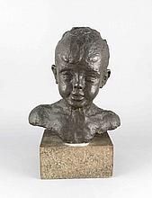 Anonymer Bildhauer um 1930, Portraibüste eines Jungen, patinierte Bronze über Marmorsockel, unsign., Ges.-H. 45 cm