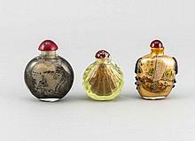 Drei Glas-Snuffbottles, China, 20. Jh., 2x mit polychromem Landschaftsdekor, H. 6 - 7,5 cm