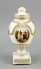 Deckelvase KPM Berlin Marke nach 1875 1. W. Ja