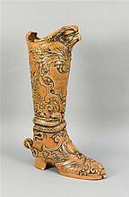 Großer Stiefel Historismus-Form Keramik reich r