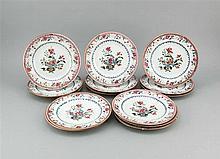 Vierzehn Teller China 19. Jh. Famille Rose pol
