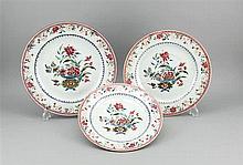 Drei Teller China 19. Jh. Famille Rose polychr
