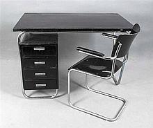 Schreibtisch und Armlehnstuhl/Freischwinger Stahl