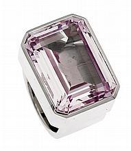 Ring WG 585/000 mit einem fac. fliederfarbigen Stein 22 x 16 mm, RG 54, 35,