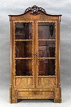 Vitrinenschrank, Louis-Philippe um 1860, Mahagoni massiv/furniert, 2-türige