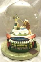 Disney The Lady and The Tramp Bella Notte Music Snow Globe, 6