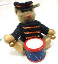 Steiff Drummerr