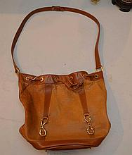 Ladies Gucci bucket or feed bag style purse