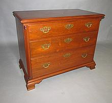 Chippendale 3 drawer chest