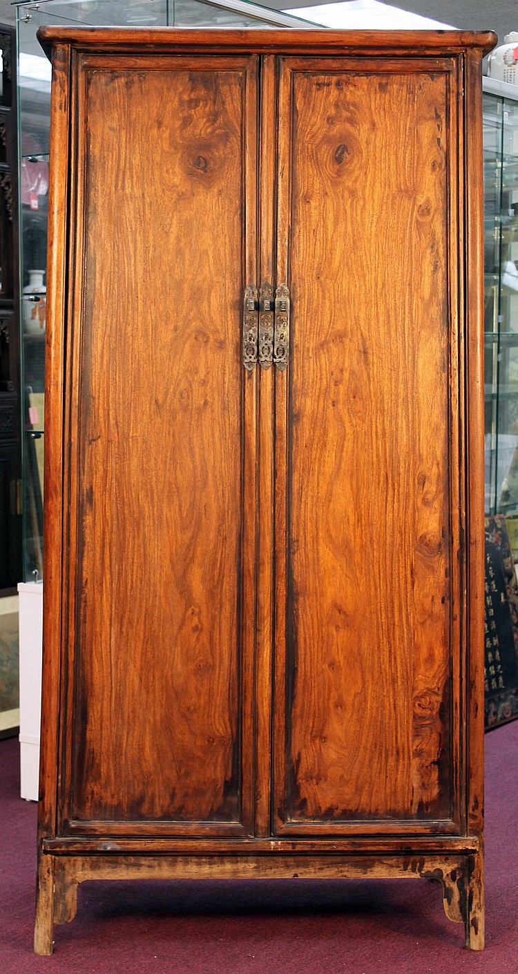 Chinese Antique Huanghua Li Cabinet