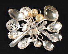 A SCOTTISH GEORGE III STERLING SILVER SAUCE LADLE, FRANCIS HOWDEN, EDINBURGH, 1789, TOGETHER WITH 15 AMERICAN AND ENGLISH SILVER PLATED FLATWARE SERVERS,