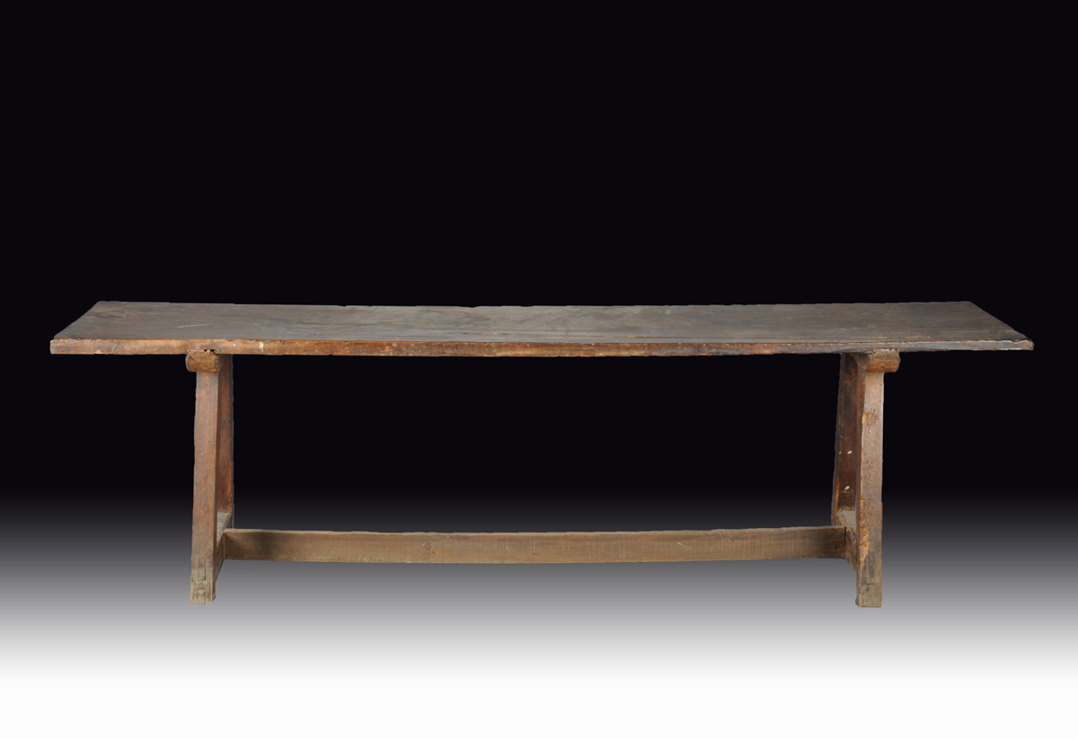 A BAROQUE CARVED WALNUT HARVEST TABLE, PROBABLY EARLY COLONIAL STATES, NORTH AMERICA, CIRCA 1660,