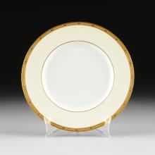 A SET OF EIGHTEEN ROYAL WORCESTER PORCELAIN DINNER PLATES FOR R.H. MACY & CO., WORCESTER, ENGLAND, CIRCA 1934-1935,