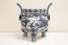 Chinese blue and white porcelain large censer