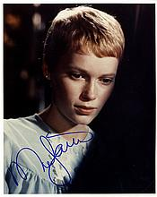 AUTOGRAPHS: ACTRESSES: Selection of signed 8 x 10