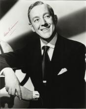 GUINNESS ALEC: (1914-2000) English Actor, Academy Award winner. Signed 8 x 10 photograph, a charming