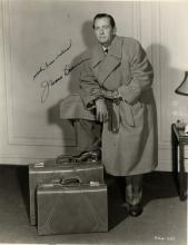 DUNN JAMES: (1901-1967) American Actor, Academy Award winner. Vintage signed 8 x 10 photograph of Du