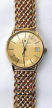 Gent's Universal Geneve 14K Yellow Gold Wristwatch