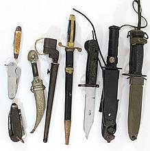 Lot of knives, fruit knives and daggers