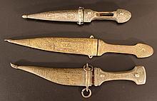 Lot of 3 daggers