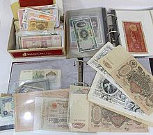 Lot of worldwide bank notes