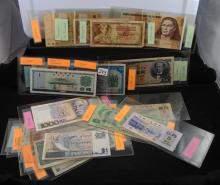 18 PIECES OF FOREIGN CURRENCY