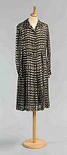 CHANEL Haute Couture n°46535. Robe en mousseline de soie imprimée noir/blan